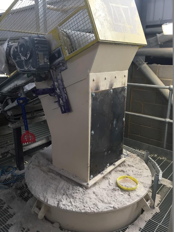 Gypsum conveyor